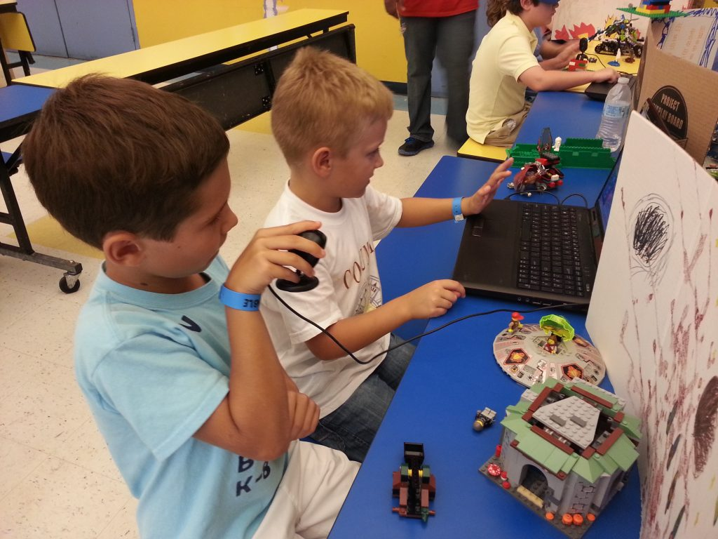 DBP+Robotics%3A+Students+work+to+build+robots+out+of+electronic+legos.+