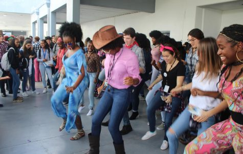 Photo Gallery: Spirit Day Two The 70's